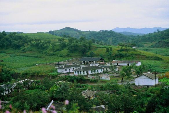 A small town in South Hamgyong province near Hamhung, DPRK in September 2011. Image credit Frühtau via Flickr.